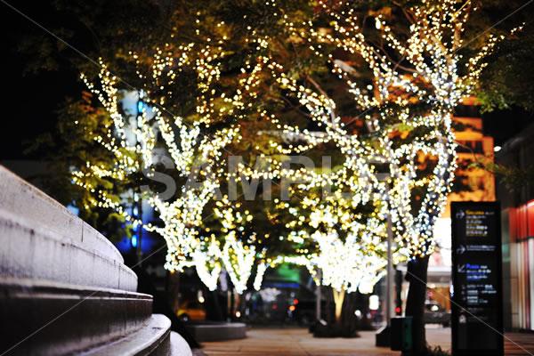 冬の夜の街並みを切り撮ったイメージカット